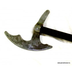 16 th century battleaxe